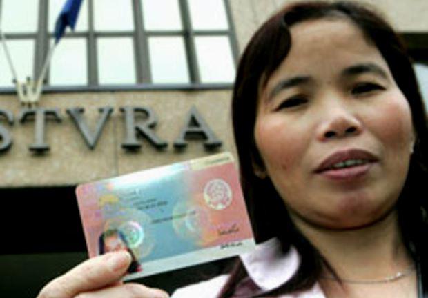 Conoce el nuevo permiso de residencia electrónico - Expreso Latino