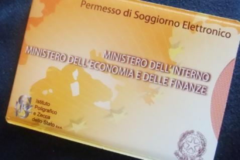 Viajar Fuera De Italia Por Pasqua No Viajes Con El Permesso Di Soggiorno Caducado Por Que Expreso Latino Noticias De Italia En Espanol Para Los Latinos En Italia